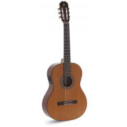 Admira Juanita E Guitarra clásica con previo