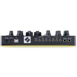 novation_circuit-mono-station-imagen-2-thumb